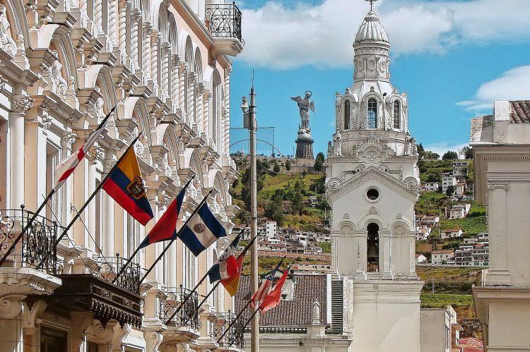 spanish schools manta